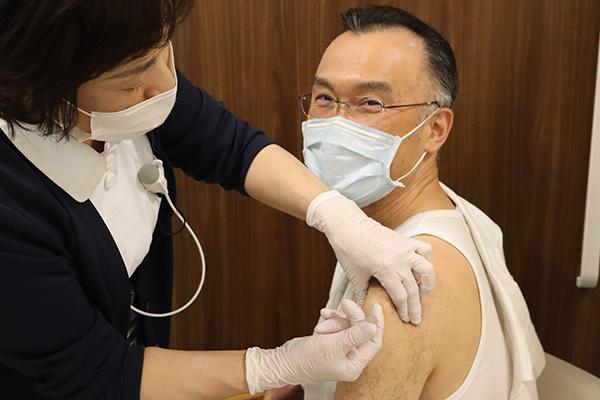新型コロナウイルスCOVID-19のワクチン接種を推奨します
